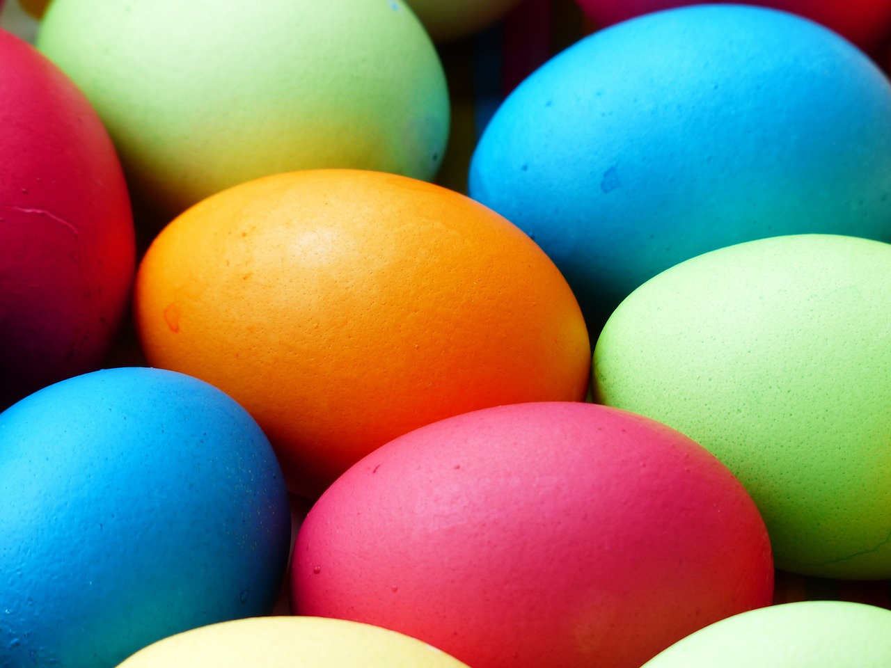 vibrant-easter-eggs