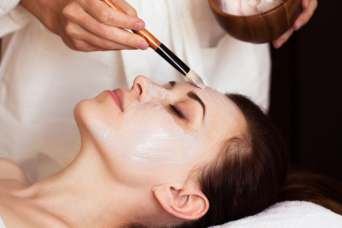 brightening-facial-mahana-spa