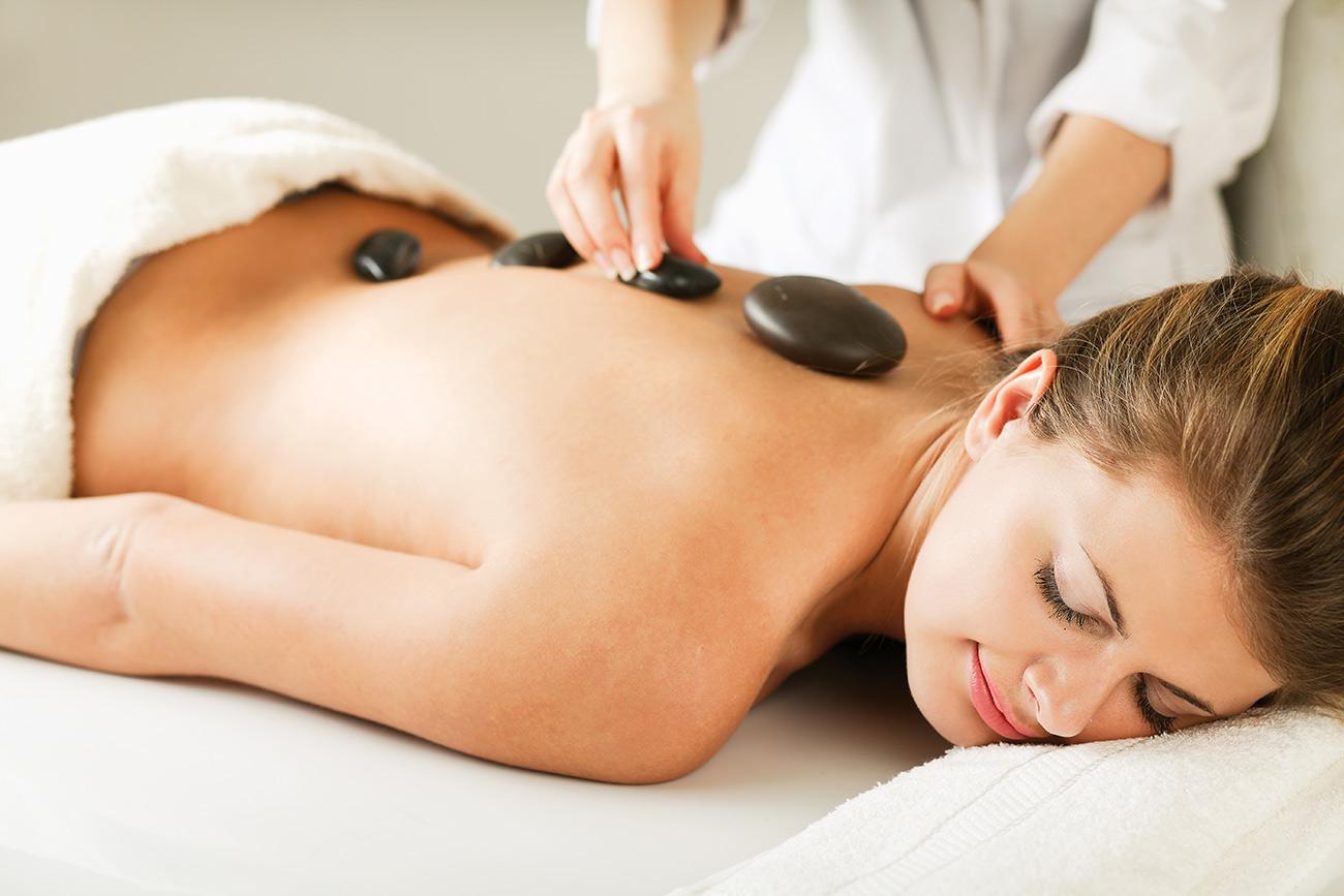 tahitian-stone-massage-mahana-spa
