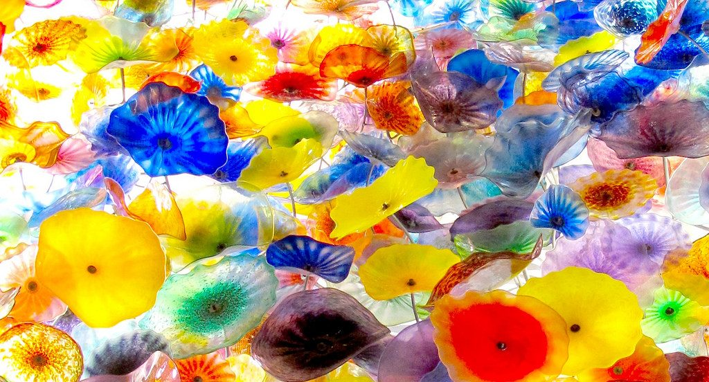 glass flower art at bellagio las vegas