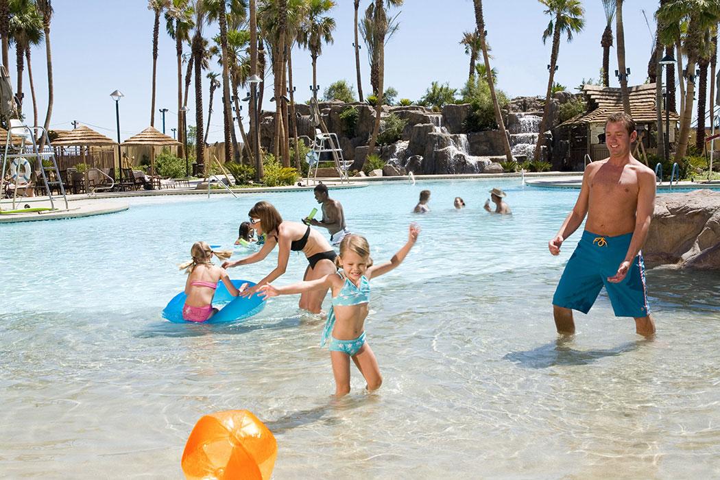 Las Vegas Pool Lazy River Tahiti Village