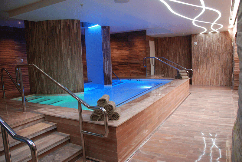 Plunge pool in the Sahra Spa at the Cosmopolitan